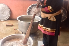 Kitchen-personnel-preparing-meals-for-the-beneficiaries-2